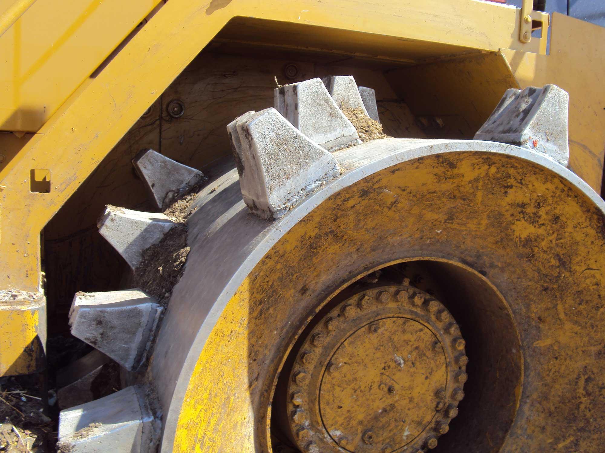 M-Trax Diamond cleat wheel on a Cat 826H.