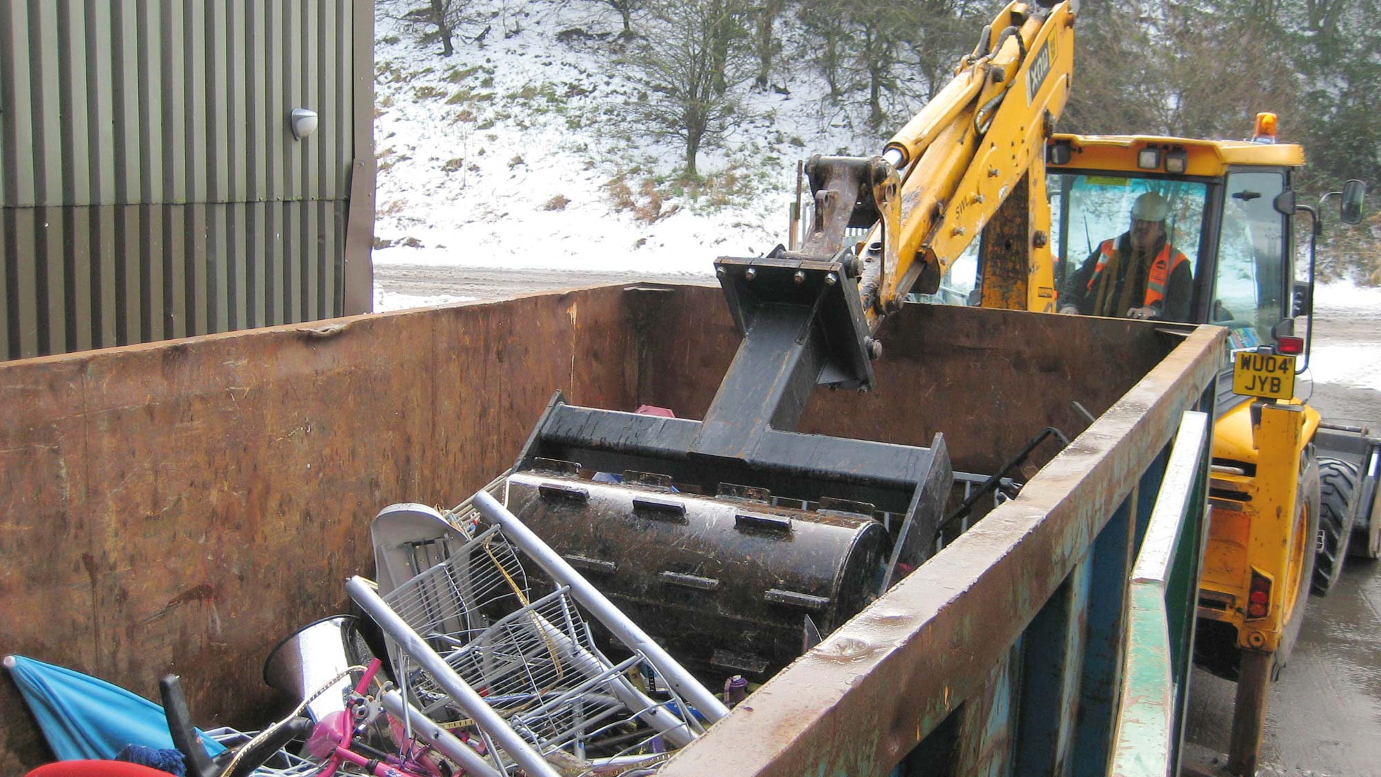 Eompax compacting waste